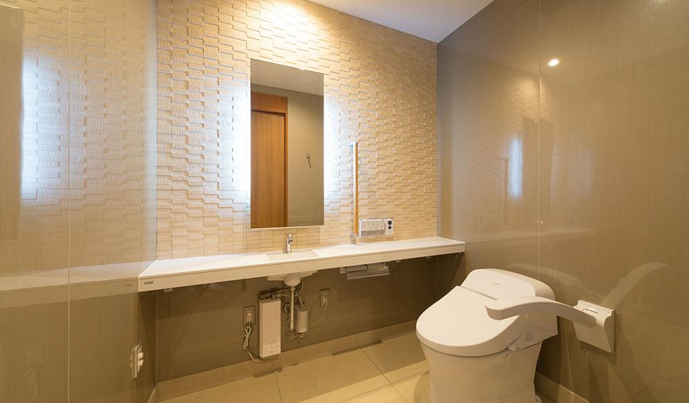 バリアフリー対応の館内(トイレ)